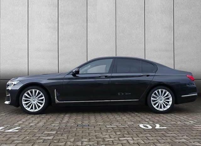 BMW 750d xDrive G11 LIVE COCKPIT full