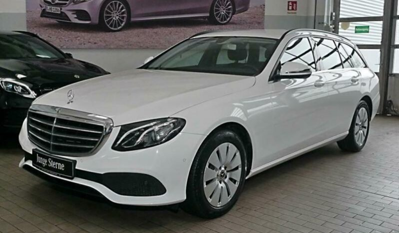 MERCEDES E TRIEDA T 220 D 4MATIC A/T full