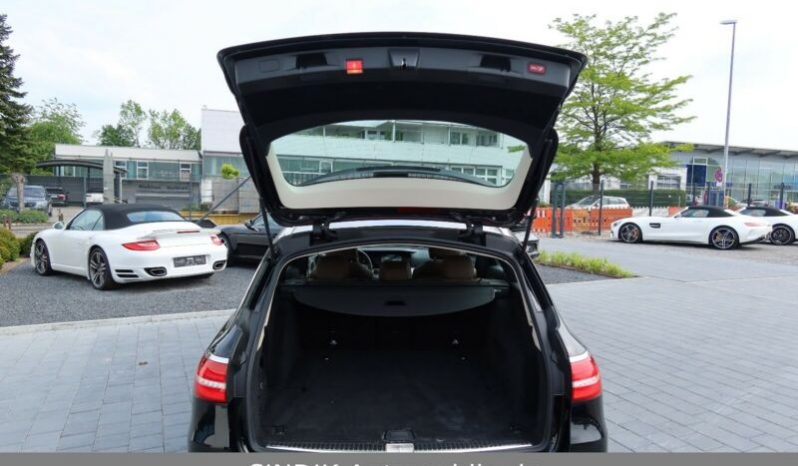 MERCEDES E TRIEDA T 220 D AVANTGARDE 4MATIC A/T full
