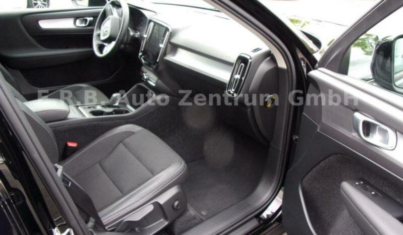 VOLVO XC40 T4 MOMENTUM AWD A/T full