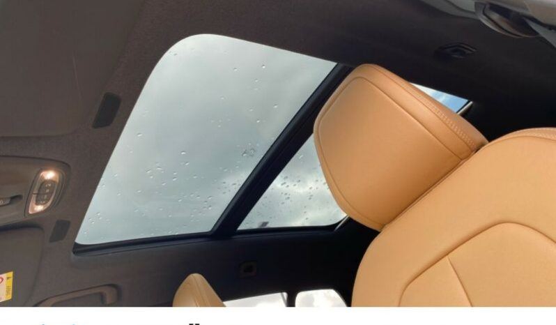 VOLVO XC40 D4 MOMENTUM AWD A/T full
