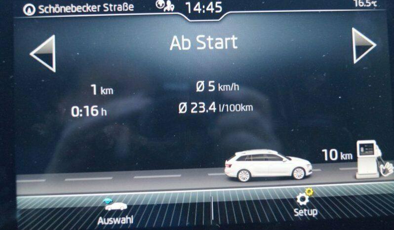 ŠKODA SUPERB COMBI 2.0 TDI SCR STYLE 4X4 DSG full